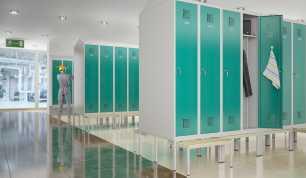 Как выбрать шкаф для раздевалки?